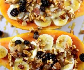 Papaia, Banana, Frutolla, Iogurte Grego e Mel